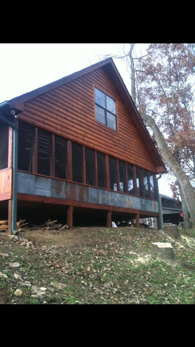 Eagles Perch Cabin Back Screened Porch