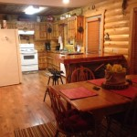 Eagles Perch Cabin Kitchen & Dining Area