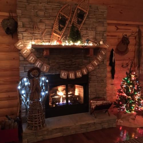 Christmas Time st Eagles Nest Cabin