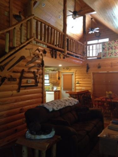 Eagles Perch Cabin Living Room and Loft