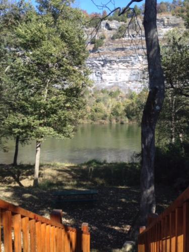 Eagles Perch Cabin White River View